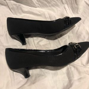Anne Klein Black Patent and Fabric Pumps 7.5